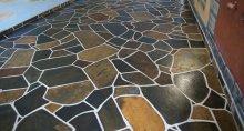 облицювання підлоги каменем