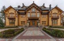 Сучасні приватні будинки все частіше нагадують палаци